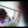 2カメ和式トイレ盗撮 カラフル服のお姉さんの放尿シーン