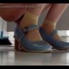 青色パンプス女性の放尿シーンを横からドアップで隠し撮り マン毛が伸びてます