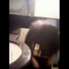 髪の長い制服ガールの中腰放尿