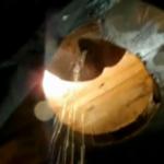 木製トイレの下に潜入してお姉さんたちのおしっこ浴びたい放題!