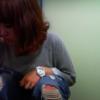 和式フロント ダメージジーンズの女の子の放尿シーン