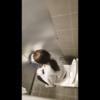洋式トイレ盗撮 空爆 ポニテヘアーお姉さんの放尿シーン