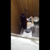 洋式トイレ盗撮 空爆アングル サラサラロングヘアーお姉さんのおしっこタイム