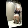【洋式トイレ盗撮】用足しする前にモゾモゾとおしっこを我慢している様子を見せるお姉さん