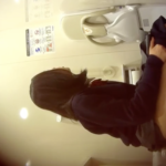 【洋式トイレ盗撮】6名の制服JKたちのトイレシーンを隠し撮り