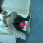【和式トイレ盗撮】白コートの中華美女の放尿シーン