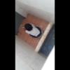 【和式トイレ盗撮】便器にしゃがんで用を足してる途中の女の子