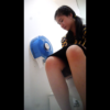 【洋式トイレ盗撮】タイのかわいいツインテ女の子のチョロチョロおしっこタイム♪