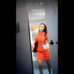【洋式トイレ盗撮】エ○アジア客室乗務員のトイレシーン