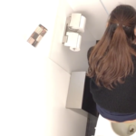 【洋式トイレ盗撮】空爆アングルからうんちが出る様子が丸見え!