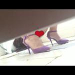 【中華和式トイレ盗撮】紫ハイヒールお姉さんの放尿シーン