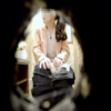 【洋式トイレ盗撮】ピンクジャケットお姉さんの放尿&ほんのちょっとの大
