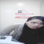 【洋式トイレ盗撮】パリピギャル風ロングヘアお姉さんが中腰で…